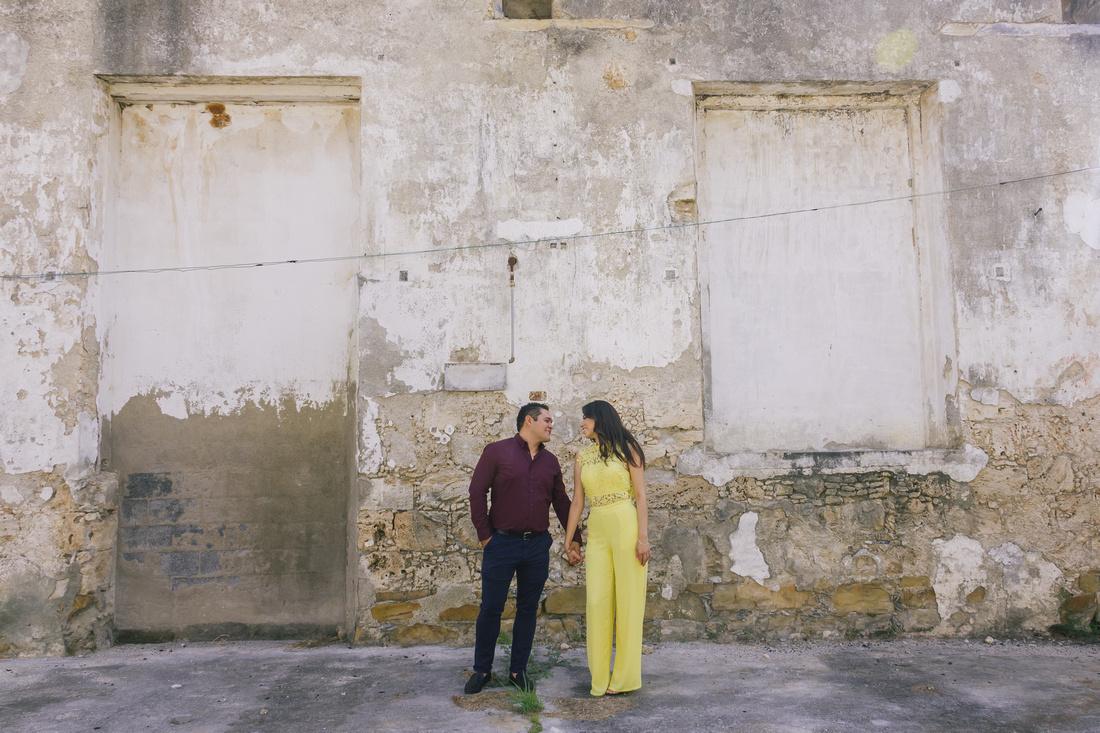 Sesión Casual de Pareja - Mayra y Javier por Angel García Fotografía Fabrica de Textiles El Porvernir