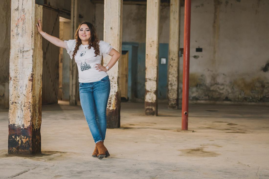 Ximena XV- por Angel García Fotografía Locación Fabrica de Textiles El Porvenir Cercado Nuevo León