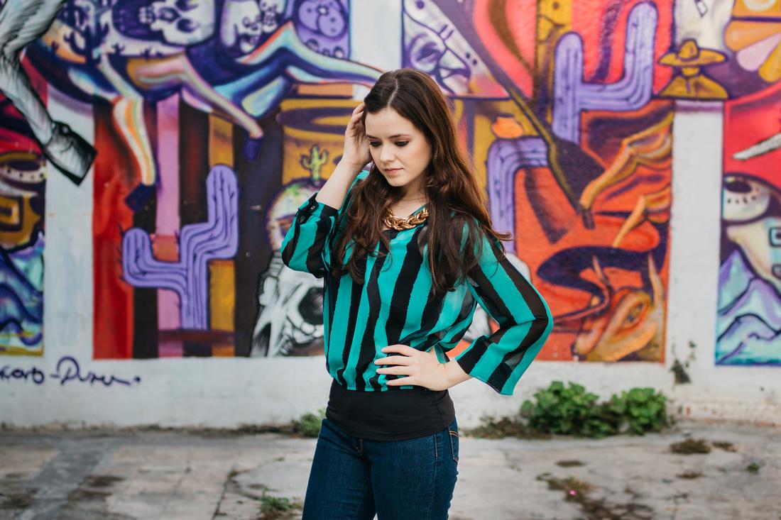 Modelo : Ale Valero Fotografía y Edición: Angel Garcia para Angel Garcia Fotografia  Locación: Barrio Antiguo Monterrey NL Mexico